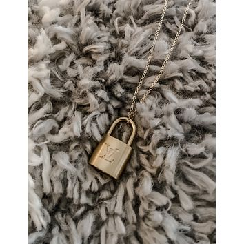 LV LOCK DAINTY NECKLACE
