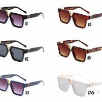 """Louis Vuitton"" Women V Mental All-match Stripe Fashion Letter Square Sunglasses Glasses Couple Collocation Accessories"