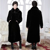 2018 new lady fur coat imitating mink fur coat with extra fat to prevent cold