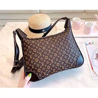 LV 2019 new women's versatile handbag shoulder bag Messenger bag