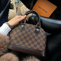 Louis Vuitton LV Hot Selling Fashion Ladies Handbags Cosmetic Bags Messenger Bags