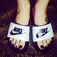 Nike Women Men Casual Fashion Sandal Slipper Shoes