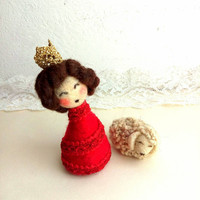 Christmas Queen mini doll with her needle felted lamb, Christmas cute felt decoration, miniature doll.