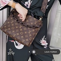 LV Classic Presbyopia Canvas Chain Clutch Toilet Bag
