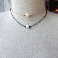 Leather pearl knotted choker; pearl leather necklace; two pearl clasp; Greek leather freshwater pearl; pearl clasp; single pearl; adjustable
