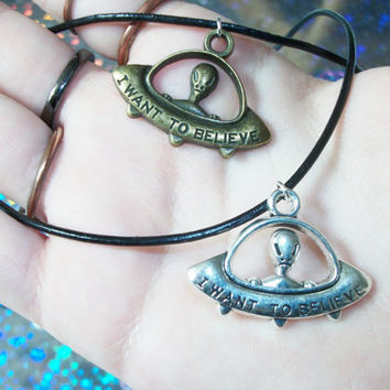 FREE SHIPPING I Want to Believe Alien UFO Charm Necklace, Black Cord Grunge Alien Necklace