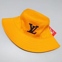Louis Vuitton LV  Fashion New Embroidery Letter Women Men Sunscreen Leisure Cap Hat Red