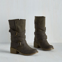 Rustic Road to the Ranch Boot in Pavement