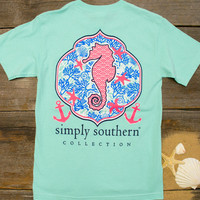 Seahorse Tee | Simply Southern