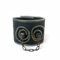 Black bracelet  - zipper and leatherette  - eco friendly, recycled jewelry