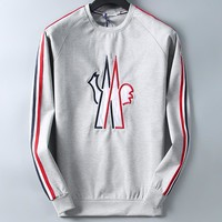Moncler 2018 new trend classic chest large embroidery logo round neck long sleeve grey