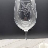 Sea Turtle gifts, Sea Turtle Wine Glass, Etched Wine Glass, Personalized Wine Glass, Wine Lover Gift, Beach Lovers Gift