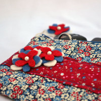 90's inspired floral pleated Clutch Purse, zippered Pouch, summer Clutch, wristlet