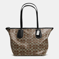 COACHtaxi zip top totein signature coated canvas