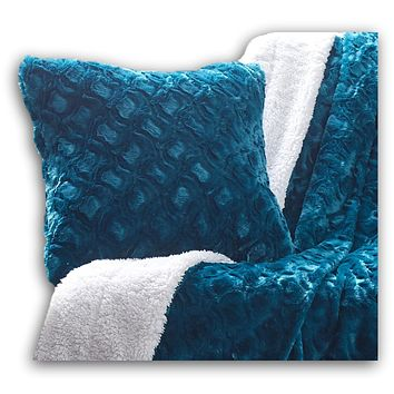 DaDa Bedding Luxury Faux Fur Throw Pillow Cover, Jewel Tones Mermaid Scales Emerald Green Blue (171805)