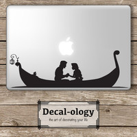 Rapunzel and Flynn Rider (Eugene Fitzherbert) Tangled Disney - Apple Macbook Laptop Vinyl Sticker Decal