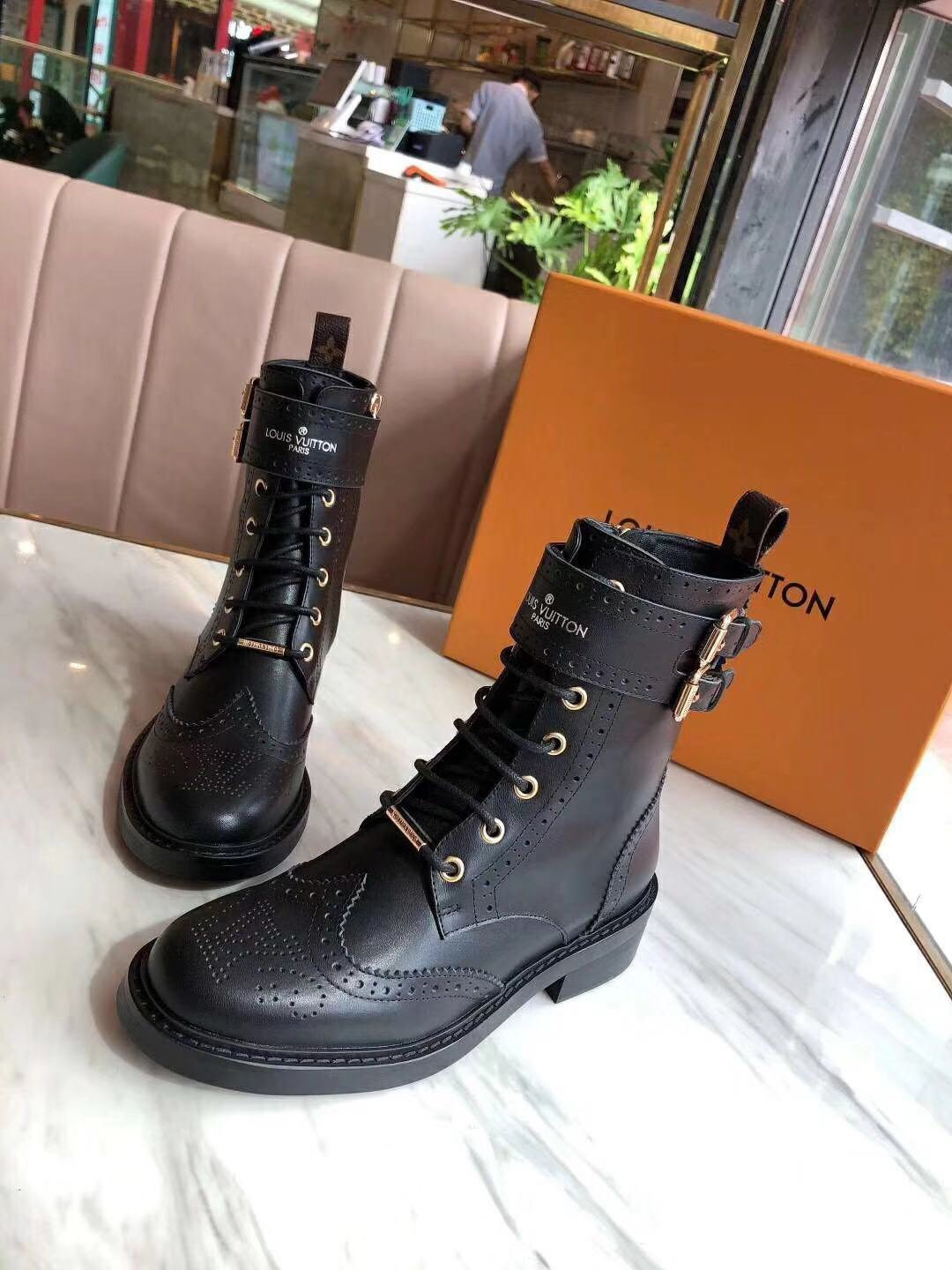 Image of lv louis vuitton trending womens men leather side zip lace up ankle boots shoes high boots 235