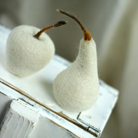 Snow White Christmas Set of Apple and  Pear - Needle Felted Cottage Set Of Apple and Pear - Home Decoration -