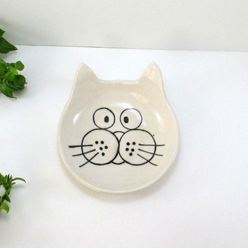 Cat Plate/Ceramic plate/Plate/Ceramics and pottery/Clay plate/Christmas gift/Ceramic cat plate/Handmade plate/Pottery plate/Gift