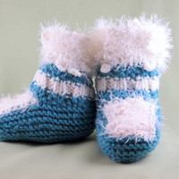 Baby's bootees / knit baby booties / toddler shoes / baby booties shoes / crocheted baby booties / baby girl boy booties / soft sole shoes