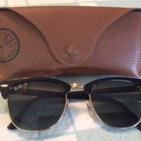 Ray-Ban RB 3016 Clubmaster Unisex Sunglasses with Black Frame and Green...