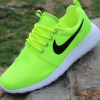 """NIKE"" Roshe Fluorescent greenTrending Fashion casual sports shoes"