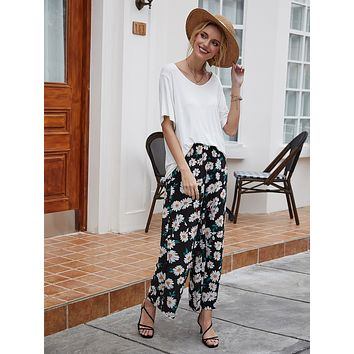 Solid Tee With Floral Print Pants