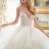 [216.99] Gorgeous Tulle V-neck Neckline Ball Gown Wedding Dresses With Beaded Embroidery - dressilyme.com