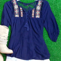 IN THE MOMENT TOP IN NAVY