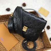 Louis Vuitton Lv Bag #567