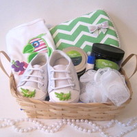 Mommy & Me gift basket-green from Playa Blu