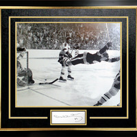 "Bobby Orr ""The Goal"" 11x14 Framed Photo with Cut Signature - Boston Bruins"