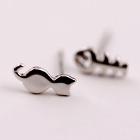 2016 2017 Hot Cute cat and fish earring studs,Lovely delicate silver earrings.