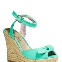 Twisted Knot Wedges