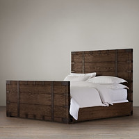 Heirloom Silver-Chest Platform Storage Bed With Footboard