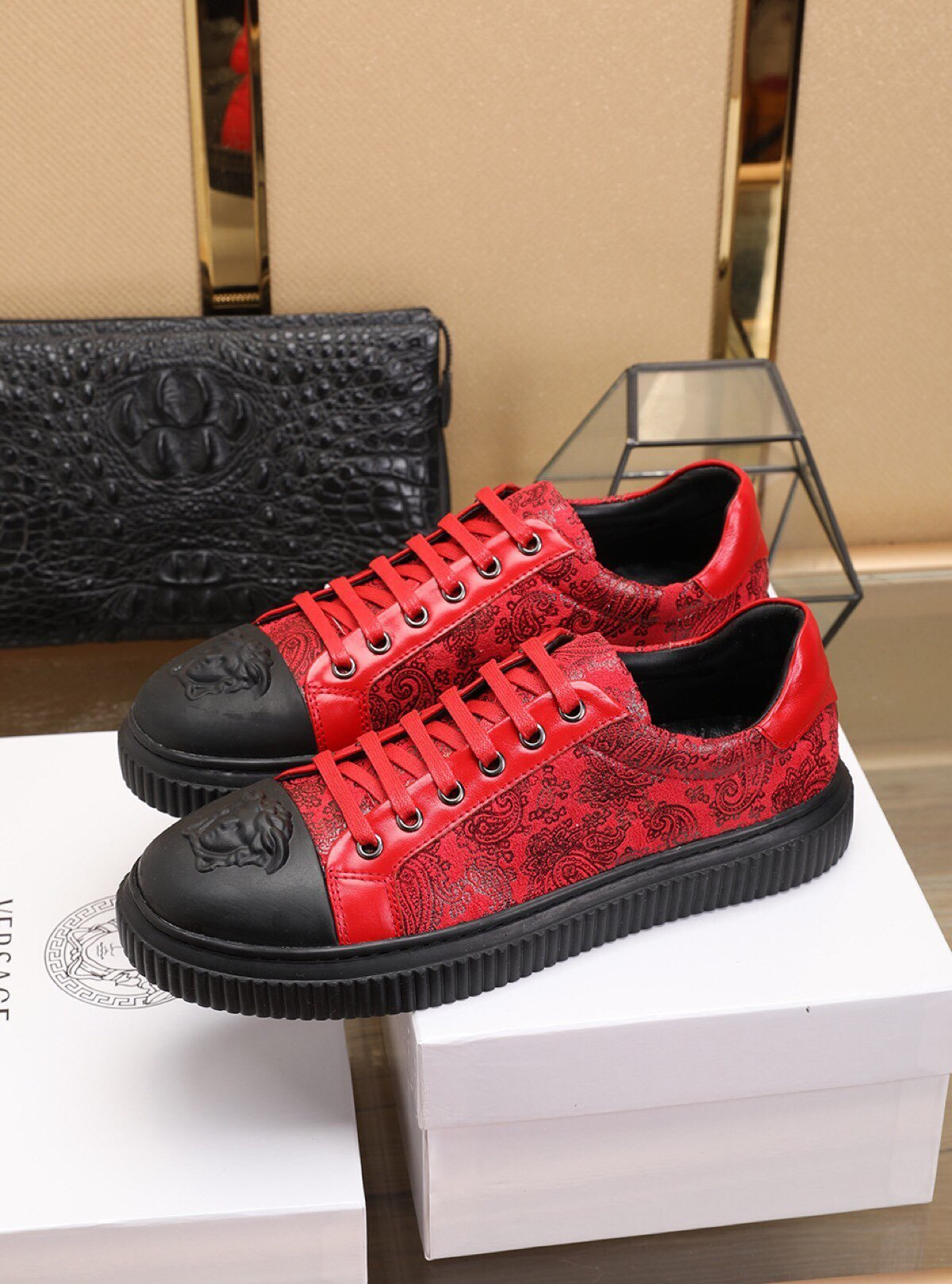 Image of Versace Men's Leather Fashion Low Top Sneakers Shoes