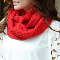 Crocheting Knitted Infinity Chunky Scarf