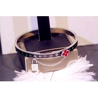 LV tide brand female models personality fashion wild bracelet