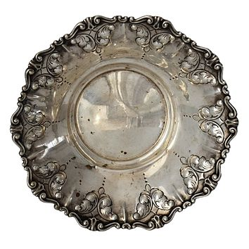 MCM 800 Silver Repousse Bowl Feather Plume Italy Stancampiano Eugenio