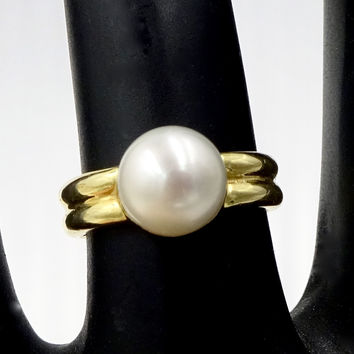 Modern 18k Yellow Gold 7.5 mm Pearl Ring Sz 4.75