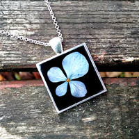 Floral necklace - Real flower necklace - Blue hydrangea flower - Pressed flower jewelry - Botanical - Nature inspired necklace - Blue flower