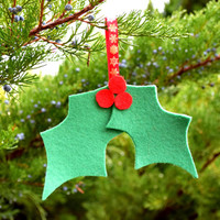 Christmas Holly ornament-Christmas decoration-Felt Christmas decor,Green Holly,Leaf holly,Leaves,Christmas tree ornament,Xmas Holiday Decor