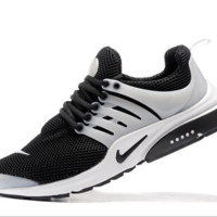 NIKE trend of running shoes casual shoes Black and white