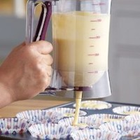 Cake Batter Dispenser With Measuring Label