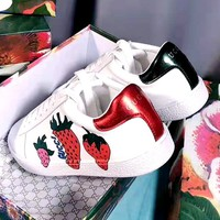 Free Shipping-Gucci Strawberry Print Men and Women Joker Low Top Shoes
