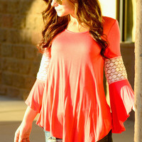 MEADOW LACE DEATAIL TOP IN CORAL