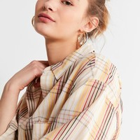 UO Cropped Plaid Button-Down Shirt | Urban Outfitters