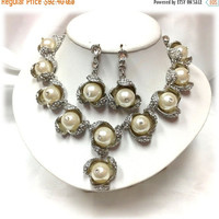 Bridal jewelry set, back drop bib necklace earrings, vintage inspired necklace, pearl necklace, bridal statement, Wedding jewelry set