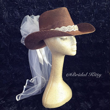 Western Bachelorette Party Veil Crystal Headband Tiara Crown Cowgirl Hat Veil Country Western Bridal Shower Bride To Be Hen Veil
