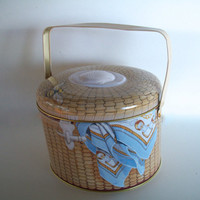 Vintage Tin Nantucket Lightship Basket  With Lid Circa 1992 Measures 7 And 1/4  X 6  And 1/2  X  5 And 1/2 Inches